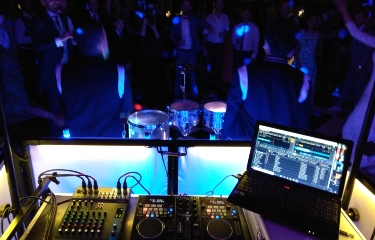Discoteca móvil y percusión